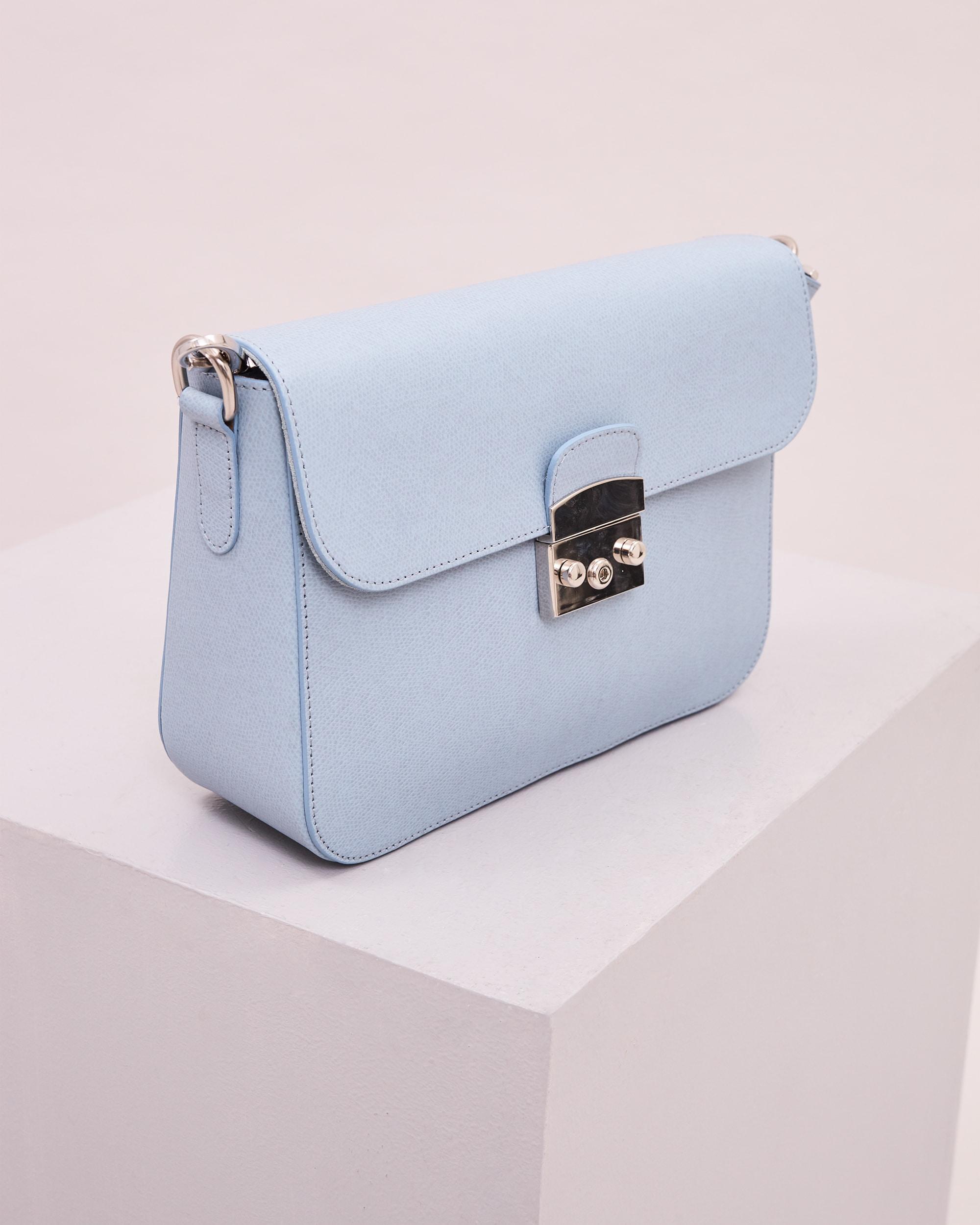 V2_Blue_Bag_2